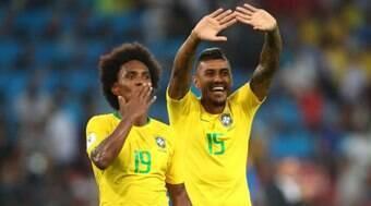 Paulinho está mais perto do Timão e Benítez entra na mira de rival