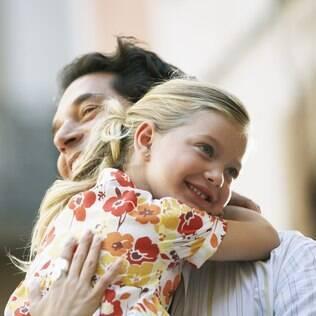 Um ambiente familiar saudável é fundamental para a felicidade das crianças