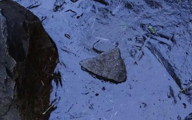 Pedras de gelo se formaram no asfalto das ruas de Urupema. Foto: Marília Sutil/Prefeitura de Urupema - 10.06.2016