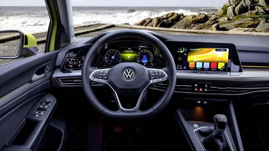 VW Golf é um dos poucos modelos da marca alemã que ainda são oferecidos com câmbio manual