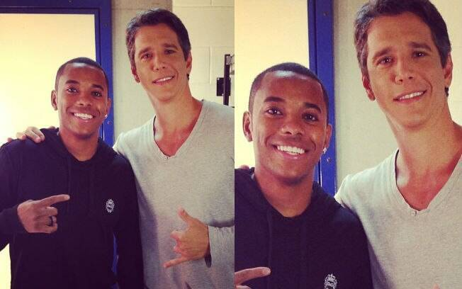 """Márcio Garcia tietou Robinho durante gravações do programa """"Esquenta"""" e divulgou no Instagram uma foto ao lado do jogador"""