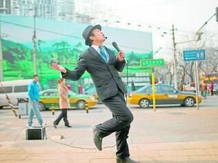 Tendência. Após cirurgia de mudança de sexo ou simplesmente para ficar com o tom da voz mais de acordo com o desejado, chineses fazem procedimento nas cordas vocais
