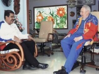 Nicolas Maduro e Fidel Castro são fotografados durante visita do presidente da Venezuela