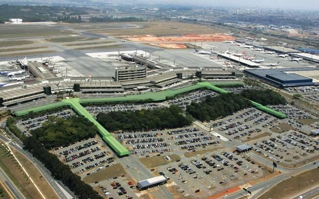 Avião já estava efetuando os procedimentos para levantar voo para Salvador quando o piloto foi interrompido