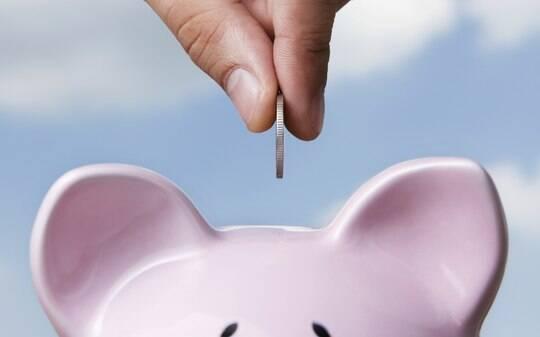 Brasileiro colocará segunda parcela do 13º salário na poupança - Home - iG