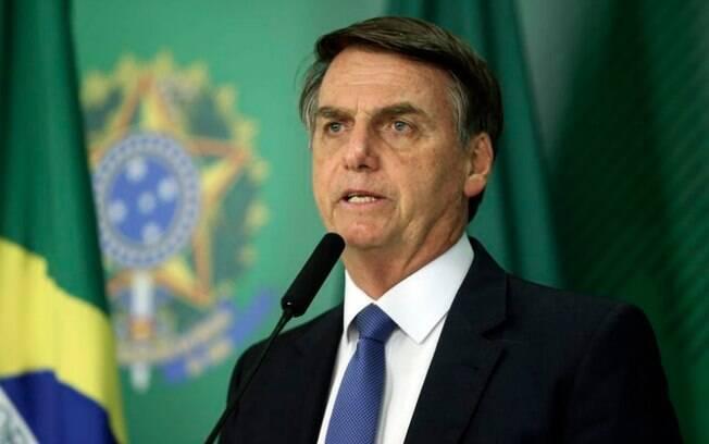 Presidente Jair Bolsonaro  passará por cirurgia nesta segunda-feira (28)