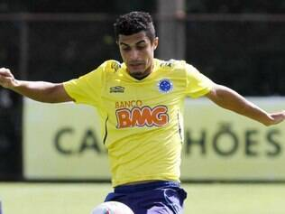 Egídio deve ser o titular da lateral esquerda do Cruzeiro no clássico do fim de semana contra o Atlético