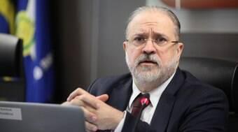 É preciso coibir militância política e ideológica na PGR, diz Aras