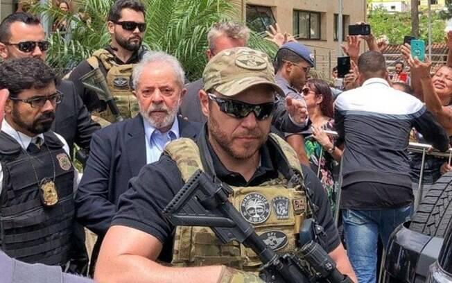 Policial federal que fez a escolta de Lula ao velório do neto em SP é declaradamente pró-Bolsonaro e próximo ao presidente