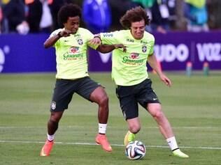 Willian e David Luiz se conheceram aos oito anos de idade, ainda na escolinha de futebol de Marcelinho