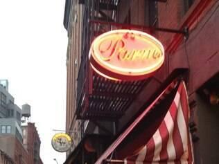 Fachada do Parm, especializada em sanduíches, na Mulberry Street, em Nova York