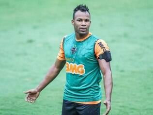Fernandinho ainda aguarda resolução da Fifa para saber se disputará ou não o Mundial de Clubes