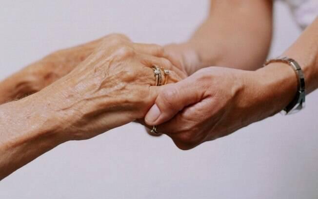 Proposta que roda na Câmara garante aos idosos o acesso imediato ao tratamento do câncer no SUS