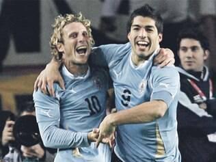 Uruguai tenta o 15º título, mas paraguaios chegam como surpresa e também podem fazer história hoje, às 16h