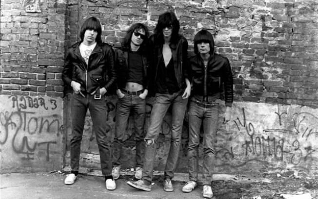 Os membros originais do Ramones, uma das bandas mais influentes do rock
