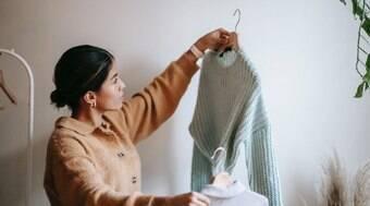 Veja como lavar uma blusa de lã à mão em 5 etapas fáceis