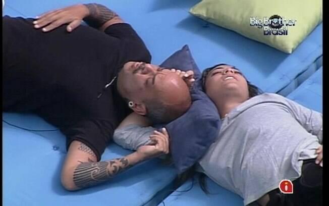 Após saída de Yuri, João Carvalho e Monique preveem que o próximo Paredão será entre eles