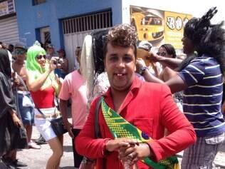 Em Nova Lima, foliões foram para as ruas ao som de cinco blocos
