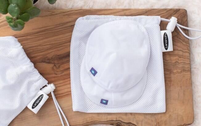 O protetor de seios impede que gotículas de leite materno vazem na roupa