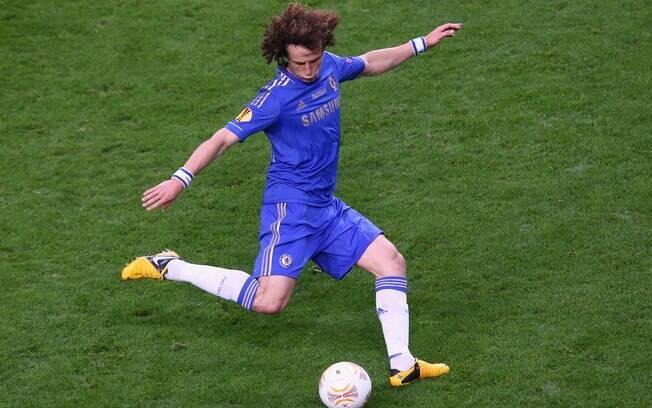 David Luiz em ação pelo Chelsea na final da  Liga Europa