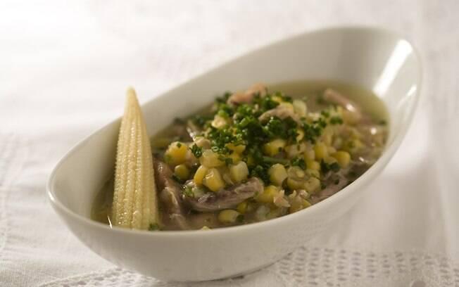 Foto da receita Sopa de milho com frango pronta.