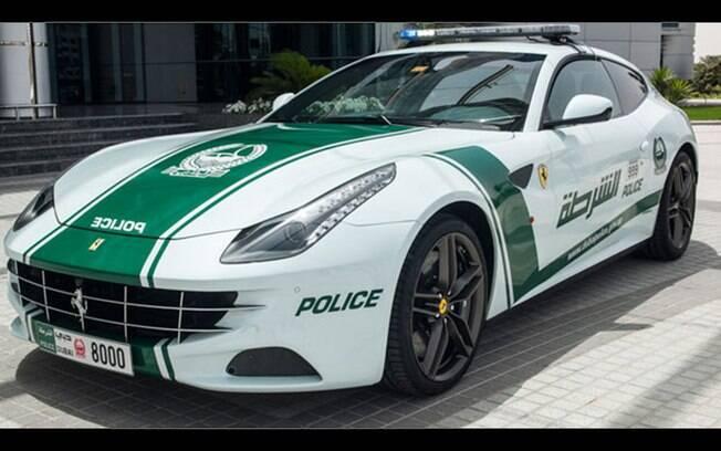 Super Carros da Polícia - Ferrari FF