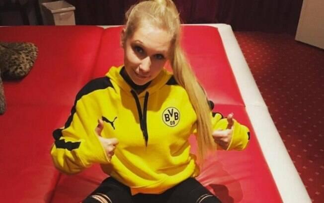 Lena Nitro é torcedora do Borussia Dortmund