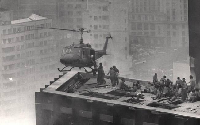Resgate aéreo durante o incêndio no edifício Joelma em 1974