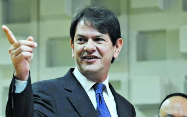 Cid defende Dilma e diz estar 'feliz' com saída do Ministério