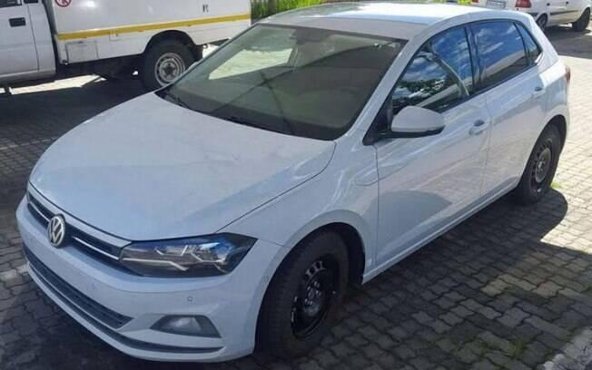 Nova geração do Volkswagen Polo é flagrada na África do Sul, onde será fabricado, bem como no Brasil e Espanha