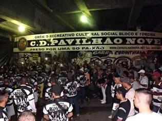 Festa na quadra da Pavilhão 9, em São Paulo