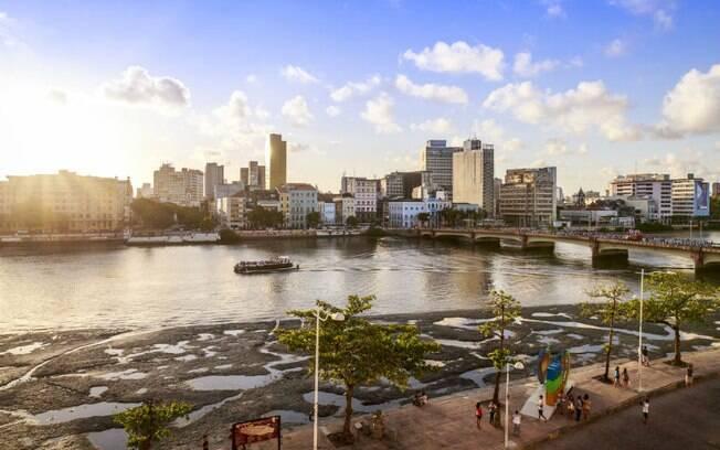 Recife é o segundo destino mais buscado para o 12 de outubro; por lá, é possível curtir atrações culturais e a vida noturna