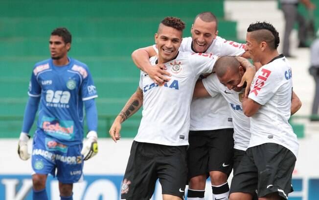 Jogadores do Corinthians celebram gol do  atacante Guerrero