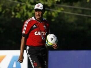 Jayme de Almeida quer usar partida contra o Resende como teste para a Libertadores