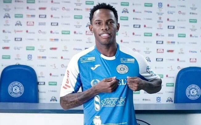 Ex-Palmeiras acerta com São Bento