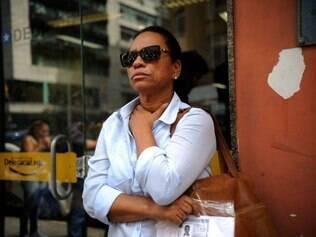 Brasil - Rio de Janeiro - RJ - 23/04/2014 O laudo do Instituto Medico-Legal (IML) mostrou que ele foi morto por causa de uma perfuracao no pulmao e, segundo ela, Douglas tinha marcas de cortes, agressoes e pisadas de bota. De acordo com Maria de Fatima, moradores relataram ter ouvido Douglas gritar, como se estivesse sendo torturado, entre o final da noite do dia 21 e o inicio da madrugada do dia 22  FOTO: Fernando Frazao/ Agencia Brasil