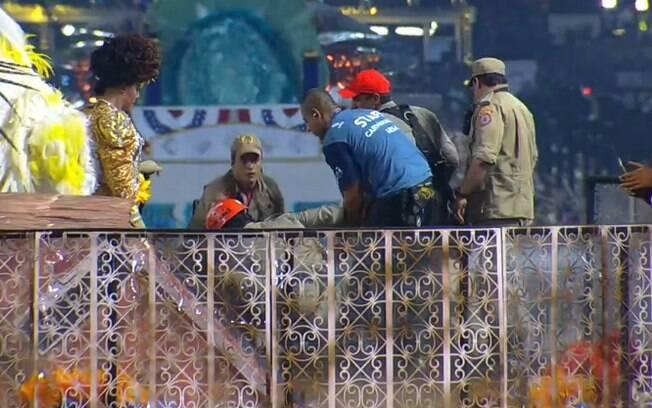Acidente prejudica desfile da Unidos da Tijuca