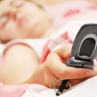 Poucos adolescentes dormem as nove horas recomendadas pelas diretrizes norte-americanas. E a maioria vai melhor na escola ao dormir sete horas