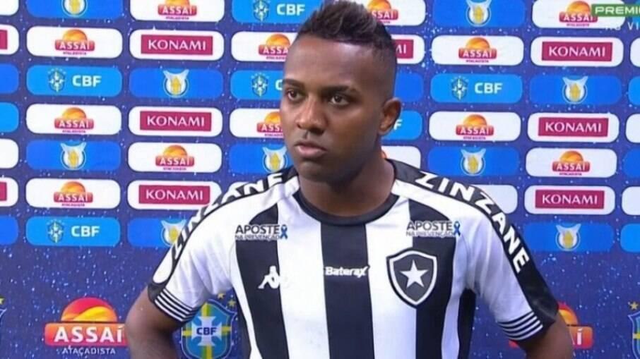 Kelvin é um dos nomes que não fica no Botafogo