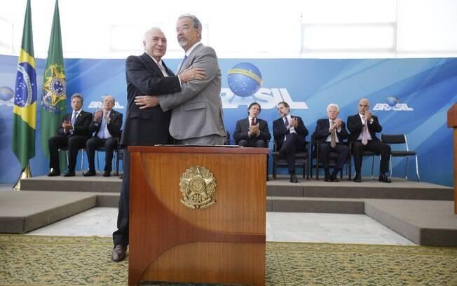 Presidente Michel Temer deu posse a Raul Jungmann no cargo de ministro extraordinário da Segurança Pública
