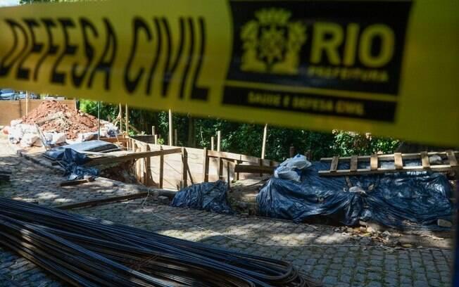 Deslizamento em obra de contenção deixou dois feridos no Leblon