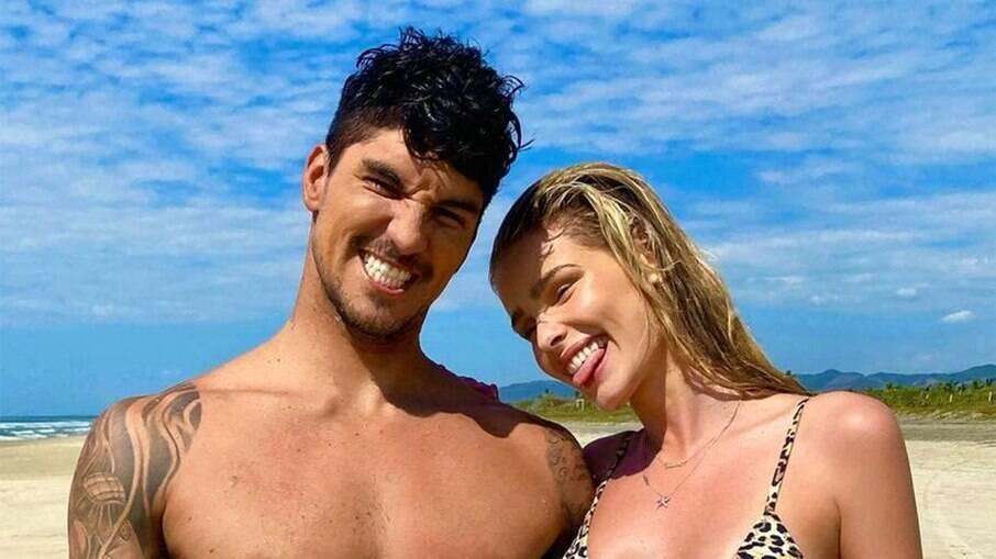 Gabriel Medina e Yasmin Brunet estariam em crise com os pais do surfista