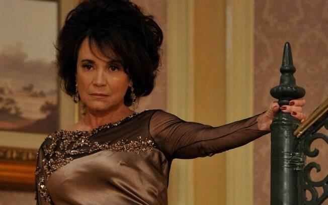 Regina Duarte como Clô Hayalla em