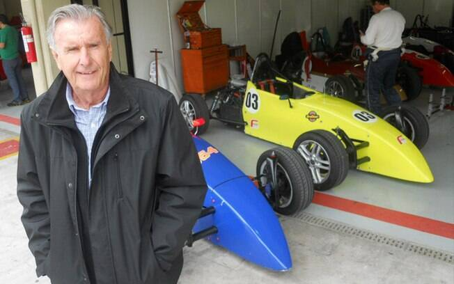 Wilsinho Fittipaldi com um carro da Formula Vee