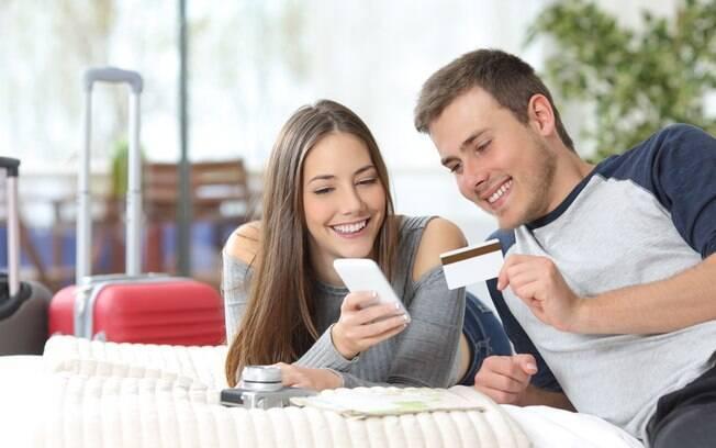 Descubra quais são as vantagens de usar um cartão pré-pago em uma viagem internacional