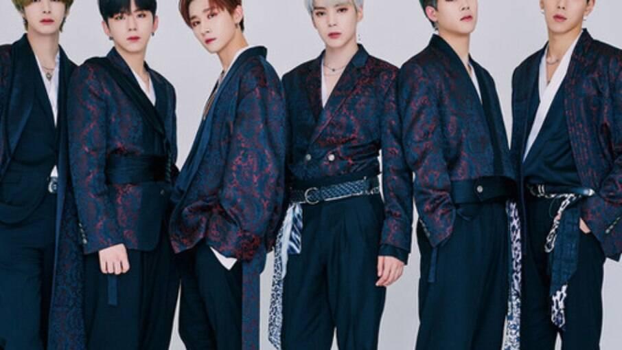 Da esquerda pra a direita: Hyungwon, Kihyun, I.M., Minhyuk, Jooheon e Shownu