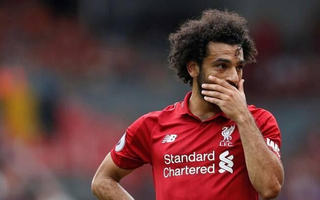 Egípcio Salah foi denunciado pelo próprio Liverpool por usar celular ao volante