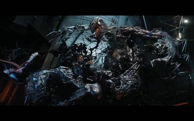 Clímax espalhafatoso: o duelo entre Venom e Riot não empolga