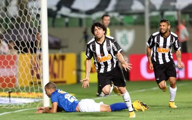 b5340ffb74 Atlético-MG controla Cruzeiro e sai na frente na final da Copa do ...