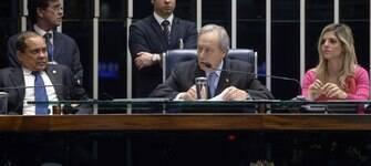 Lewandowski se confude e chama senador de Cristóvão Colombo